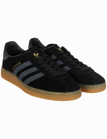 Munchen Shoes - Core Black/Navy