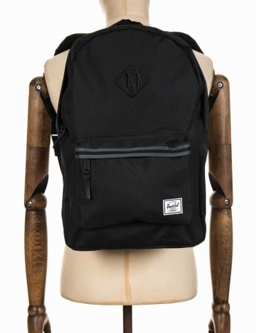 Heritage 21.5L Backpack - Black/Dark Shadow/Black