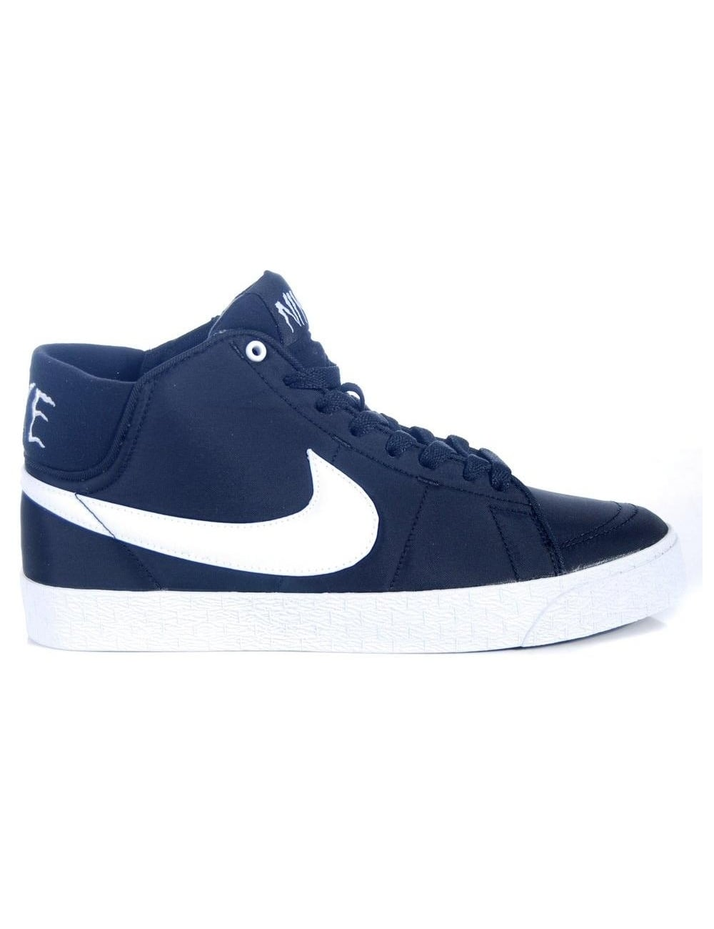 16d134aa Nike SB Blazer Mid LR NF - Black/White - Footwear from Fat Buddha ...