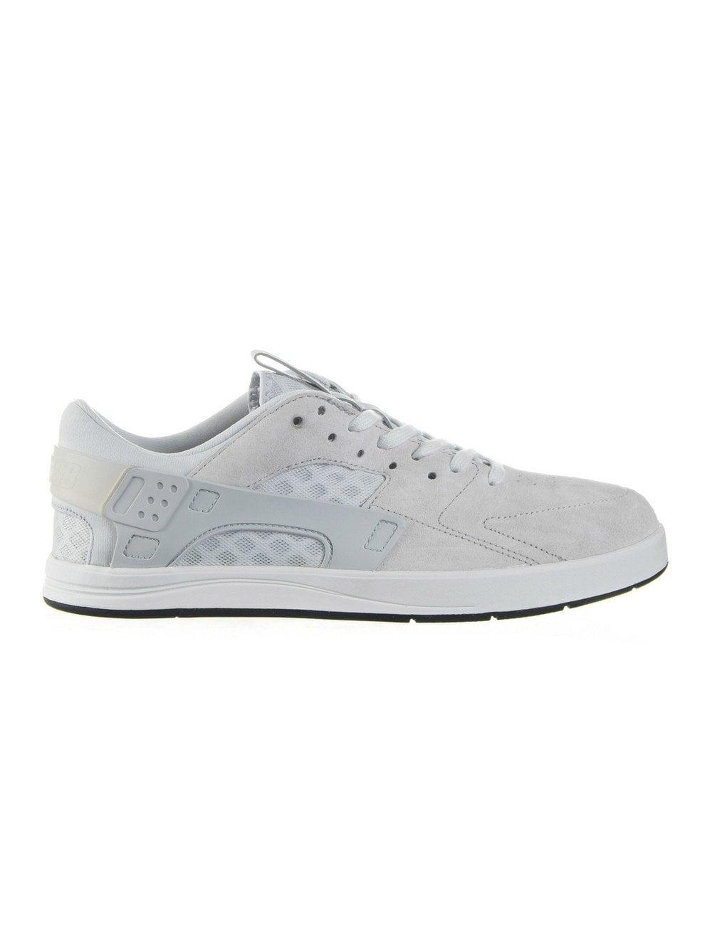 Garanzia di qualità al 100% adatto a uomini/donne la più grande selezione di Nike SB Eric Koston Huarache - Summit White - Footwear from Fat ...