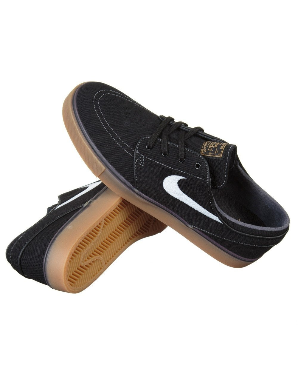 nike shoes black white sole style guru fashion glitz