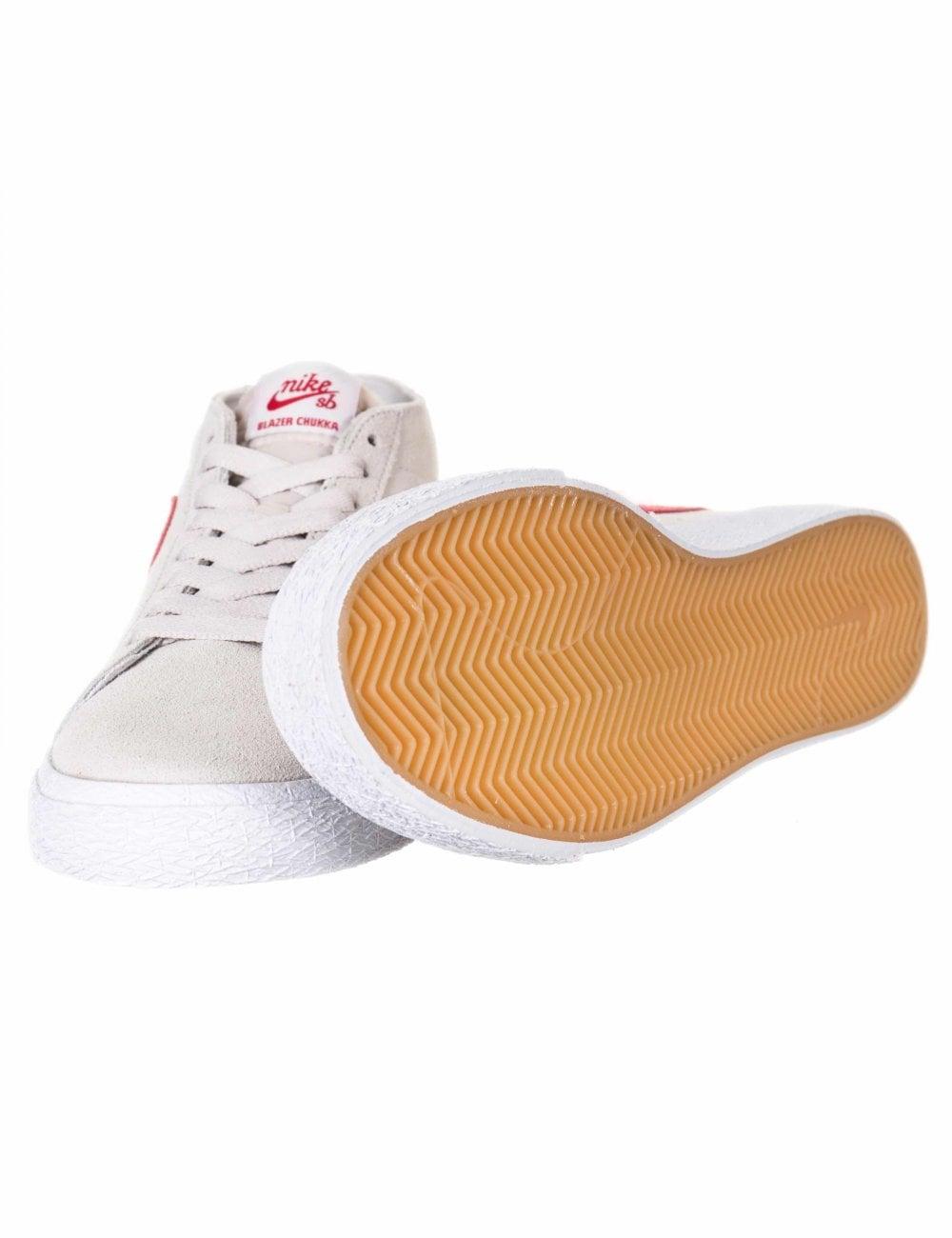 69c558e6 Nike SB Zoom Blazer Chukka Trainers - Vast Grey/Team Crimson ...