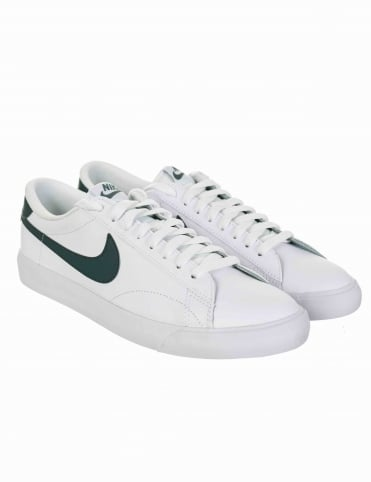 Nike Tennis Classic AC Shoes - White/Hasta