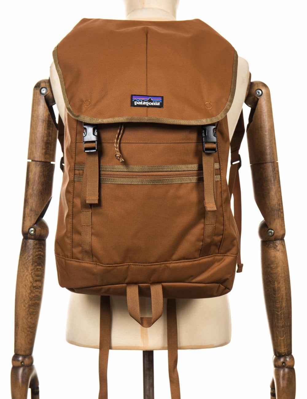 099089b8c6 Patagonia Arbor Classic 25L Backpack - Bence Brown - Accessories ...