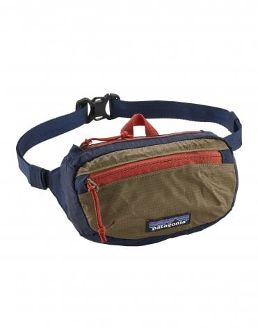 Patagonia Lightweight Travel Mini Hip Pack 1L - Classic Navy w Mojave Khaki ec0e4ee812032
