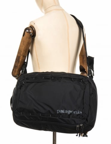 Tres Backpack 25L - Black
